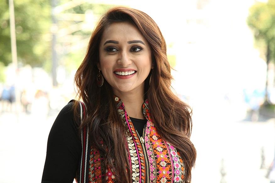এত লোকজনকে থাপ্পড় মেরেছি... : মিমি চক্রবর্তী