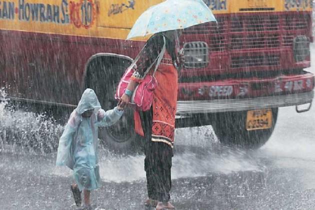 বিকেলে কলকাতায় বজ্রবিদ্যুৎ-সহ বৃষ্টির সম্ভাবনা
