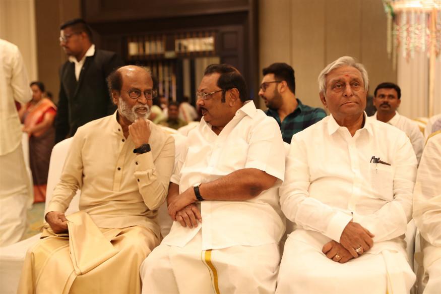বিয়ের অনুষ্ঠানে এম কে আলাগিরির সঙ্গে রজনীকান্ত (Image: Special Arrangement)