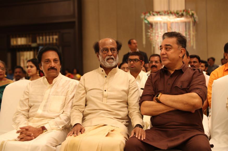 রবি রাগবেন্দ্র ও কমল হাসানের সঙ্গে রজনীকান্ত  (Image: Special Arrangement)