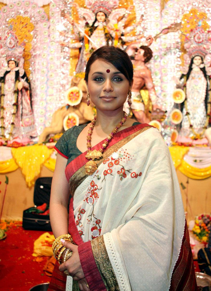বিয়ের পর ফেরত এসে রানি দিয়েছেন, 'হিচকি'-র মতো ছবি। যা বুঝিয়ে দিয়েছে যে বিয়ে হয়েছে বলেই রানি শেষ হয়ে যাননি। তাঁর অভিনয় দক্ষতায় তিনি সব সময়ি সেরা। (Image: Reuters)