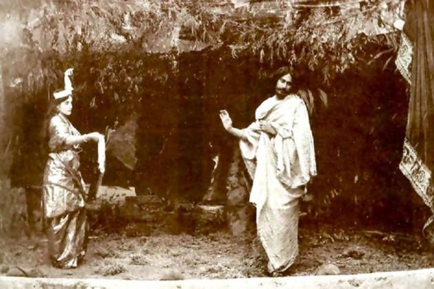 রবীন্দ্রনাথ তাঁর জীবনে একটিই চলচ্চিত্র পরিচালনা করেন। সেই ছবির শ্যুটিং হয়েছিল নিউ এম্পায়ারে...