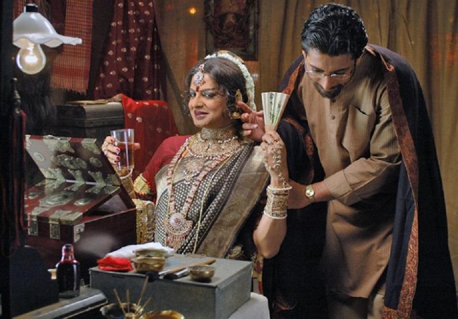 'আরেকতি প্রেমের গল্প' ছবিতে ইন্দ্রনীল সেনগুপ্তর সঙ্গে ঋতুপর্ণ ঘোষ।photo source collected