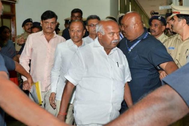 Karnataka Crisis: আজ কর্ণাটকের বিক্ষুব্ধ বিধায়কদের দাবি শুনবে সুপ্রিম কোর্ট