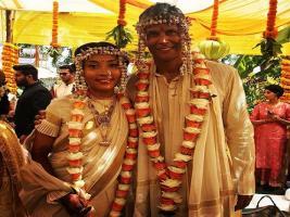In Pics: বিয়ে হয়ে গেল মিলিন্দ সোমনের, দেখে নিন সমস্ত ছবি