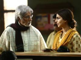 IN PICS: মেয়ের সঙ্গে স্ক্রিন শেয়ার, আবেগে চোখ ভিজল অমিতাভের