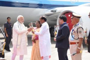 Ayushman Bharat: বিশ্বের সবচেয়ে বড় স্বাস্থ্যবিমার সূচনায় ঝড়খণ্ড পৌঁছলেন মোদি