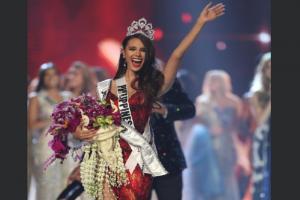 Miss Universe 2018: সুন্দরী-মঞ্চে তিনিই সেরা, বাড়িতে কেমন ক্যাটরিওনা? দেখুন ছবি