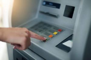 এই মাসের শেষে বন্ধ হয়ে যেতে পারে ১.১৩ লক্ষ ATM