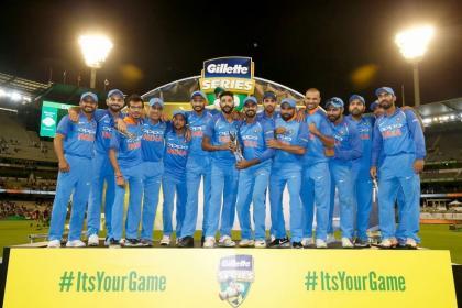 India vs Australia: ওঁ ফিনিশায় নমঃ- সেহওয়াগের সুপারহিট ট্যুইট, সচিন থেকে বেদি মজে ভারতে