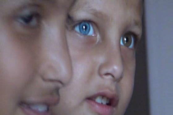 পরশের মা-বাবা এখন দারুণ খুশি ৷ তার ছেলের সঙ্গে সবাই দেখা করতে চাইছে ৷ নানা খবরের দেখানো হচ্ছে পরশকে ৷ এমনকী, পরশের সঙ্গে সেলফি তোলার জন্য ব্যস্ত গোটা জলন্ধর ৷