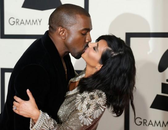 Kanye-West-and-Kim-Kardashian-kiss