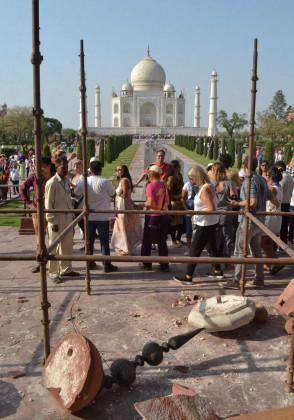 two-minarets-at-the-entry-gates-of-the-Taj-Mahal-monument